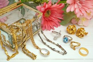 宝石類・貴金属類